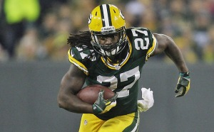 Green Bay Packers running back Eddie Lacy (27) runs for a gain in the 1st quarter.  - - Before the Green Bay Packers face the Chicago Bears at Lambeau Field on Monday, November 4, 2013. Photo by Mike De Sisti / @mdesisti / MDESISTI@JOURNALSENTINEL.COM